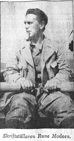 Rune Modeen under sin reportageresa i Hotagen i augusti 1942.