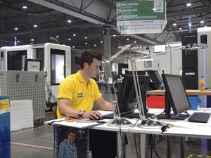 Filip Andersson vann yrkes-SM 2012 i CNC-fräsning och fick en hedersmedalj i yrkes-VM 2013. Foto: World skills Sweden