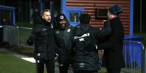 Kvaljublet! Tränarparet Jonathan Ederström och Samuel Wowoah tog Karlslund genom två rafflande möten med Haninge, och fortsätter nästa år i division 1. Båda är revanschlystna.