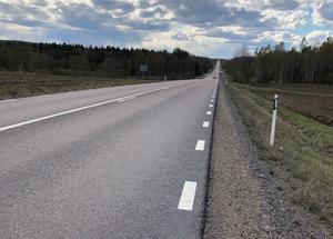 Vi gör en investering i vägen för kommande 25 år. Än finns tid att ge även oss som bor efter vägen en säker trafikmiljö, skriver insändaren.