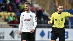 Johan Mårtensson vill stanna kvar i ÖSK efter att kontraktet med ÖSK går ut efter säsongen.