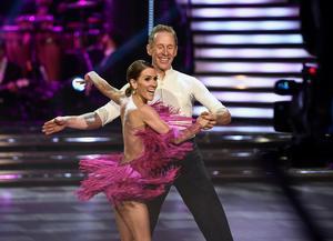 Gunde Svan och Jeanette Carlsson i Let´s Dance. Foto: Pontus Lundahl / TT