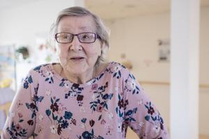 Efter en lång kamp fick  Märta-Stina Nilsson en plats på ett särskilt boende i Rimbo. Nu känner hon sig trygg.