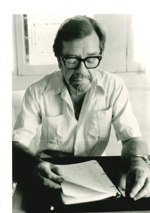 Parallellt med sitt skönlitterära skrivande undervisade John Williams i kreativt skrivande.