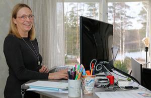 Med Kolbäcksån rinnande förbi fönstret så har Mia Harvig Lindh en minst sagt rogivande arbetsplats på kontoret i Virsbo.