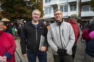 En av initiativtagarna till manifestationen var Leif Edh från Vår framtid Ånge. Här tillsammans med socialdemokraten Erik Lövgren.
