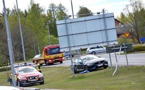 Vid lunchtid på onsdagen krockade en timmerbil och en bil vid rondellen i närheten av McDonalds i Vetlanda.