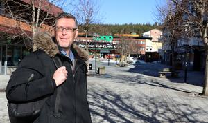 Vi kommer bli ordentligt tilltufsade men vi tror också vi kan gå stärkta ur denna farsot därför att vi tar hand om varandra, skriver Erik Lövgren (bilden) och Jan Filipsson.