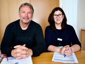 Kent Bohman och Arijana Jazic jobbar med extratjänster i kommunen.