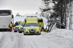Ett stort räddningspådrag drogs vid bussolyckan söder om Idre. Men endast en person skadades lindrigt.