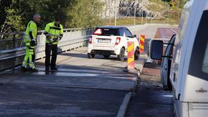 Samarbete, kommunikation och försiktig framfart vid vägarbetsplatsen gör alla nöjda.