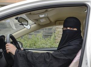 Den 24 juni fick saudiska kvinnor rätt att sätta sig bakom ratten. Foto: Sofia Eriksson/TT.