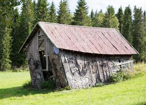 Henrik Ljusberg och Jan Boleslav Sjöberg har fått fler förfrågningar om att måla lador efter den första.