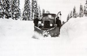 Snöröjning på Skuleskogen.