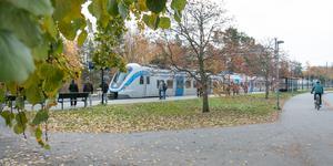 I dag kan man bara kliva på tåget – som är vid Nynäsgårds station – och blippa ombord. Men det kommer att ändras.