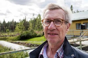 Johan Kock anser inte att kommunens politiker fått ta del av synpunkter från alla parter i frågan om dammarna i Galvån.