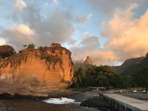 Aloha Sailings besättning har sett oförglömligt vacker natur under sin seglats småöarna i Stilla havet. Den här vyn mötte de på Marquesas. Foto: Privat