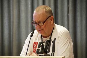 SD-politikerna var splittrade i frågan. Men Tomas Skogstjärn ville ha folkomröstning.