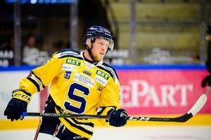 Sebastian Bengtsson gjorde en assist när SSK föll mot BIK Karlskoga. Foto: Jonas Ljungdahl/Bildbyrån.