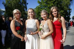 Mia Strandberg, Alva Österberg, Frida Engblom och Ebba Autio, alla från Högbergsskolan.