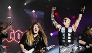 Sabaton uppträdde på Sabaton Open Air i augusti. I höst väntar en USA-turné tillsammans med Hammerfall.