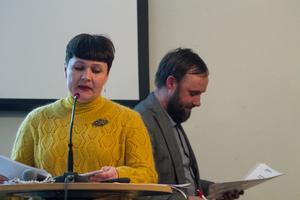 Politiska vilden Lana Molberg ställde frågor om Gnarpsåns utrivning till Ola Wigg (S) på Nordanstigs fullmäktige.