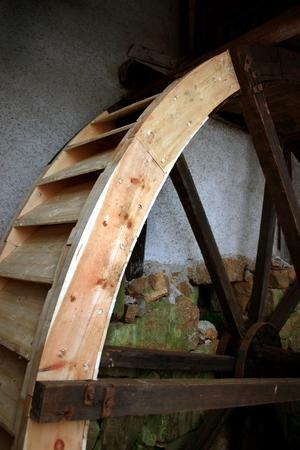 Sörby kvarn var i bruk till slutet på 1960-talet, och är sedan dess synnerligen väl bevarad. Kvarnen drevs av ett vattenhjul som finns bevarat, liksom inredning och teknisk utrustning. Foto: NA arkiv.