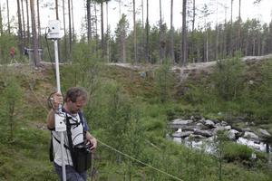 Argo Jõeleht letar efter järnklumpar som kan ha kommit från rymden.