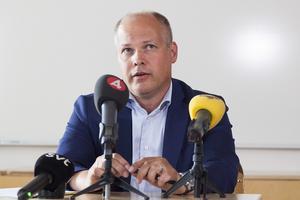 Morgan Johansson, inrikesminister hade flugit helikopter över brandområden och berättade om sina intryck på en presskonferens i Sveg.