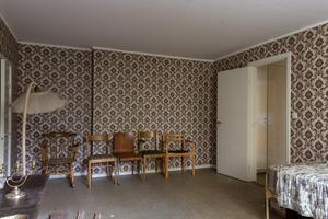 På övervåningen ligger husets enda sovrum. Bild: Utsikten foto.