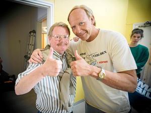 Lennye Osbeck och Mikael Persbrandt under inspelningen av Tårtgeneralen.   Foto: Thomas Ljungqvist