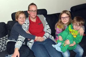 Barbro Jonsson med barnen Linus, Linnea och Ludvig.