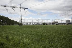 2016 stod kraftledningarna kvar men Barsebäcks kärnkraftsverk stängdes av 2005. Foto: Anders Ahlgren
