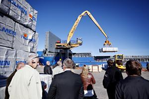 Söderhamns stuveri & hamn AB grundades 1927 som Söderhamns stuveri. I dag sköter bolaget bland annat driften av tre kommunägda hamnar i Söderhamns kommun. Kommunen äger även 18 procent av bolaget.