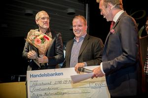 Peckas Naturodlingar blev den stora vinnaren i företagsgalan. Hugo Wikström, rörd och tacksam, tar emot ännu ett pristillsammans med kollegan Daniel Brännström.