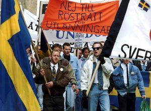 Sverigedemokrater demonstrerar 1991. Foto: Claudio Bresciani/TT