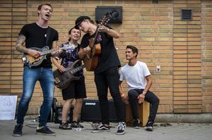 Folkrockbandet Friends & Enemies spelar på Orsayran för andra året i rad.