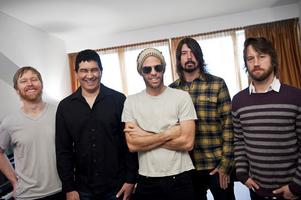 """Foo Fighters ville med """"Wasting Light"""" göra sin tyngsta platta någonsin: """"Vi vill att det ska låta som det gör live. Det är riktig rock 'n' roll"""", säger Dave Grohl."""