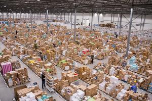 Det sattes under september flera nya rekord på Apoteas logistikcenter i Morgongåva.
