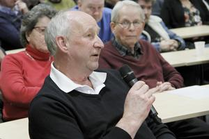 Kent Ström driver dels AB Ljusdals skrot och partiaffär, och dels industrihuset Hägern. Han berättade på dialogmötet den 4 februari, om sitt dilemma.