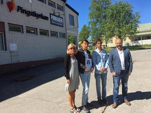 Karin Lindgren, Ali, Alireza och Christian Mölk, pastor i Pingsförsamlingen Härnösand.