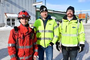 Räddningschef Johan Szymanski, Siljan Timbers VD Jon Hansson och Tomas Norrby som är miljö och säkerhetsansvarig.