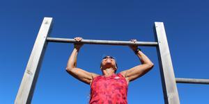 Carina Åsman menar att det är aldrig för sent att börja träna. Hon tycker det är extra härligt att träna utomhus.