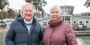 Jerry Larsson, ordförande i NSS, vill göra Nynäshamn till ett nytt seglarcentrum. Här med Pia Petersson, kassör i föreningen.