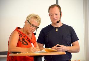 På en pressträff på Midlanda i morse skrev Ewa Lindstrand och Roger Albrecht på en avsiktsförklaring om byggplanerna.