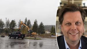 Lars Wiik, marknadsområdeschef på Besikta Bilprovning, hoppas att kunna ha igång verksamheten, som ligger i samma byggnad som den nya padelhallen, till våren. Foto: Lars Windh, privat.