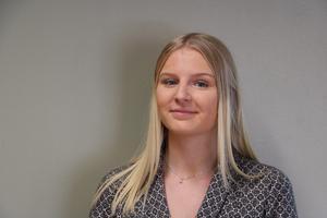 - Jag har sommarjobb på COOP eftersom jag hade praoat där tidigare, säger Linn Berglind, 17 år.