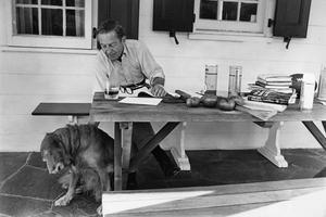 Jon Cheever är en USA:s främsta novellförfattare. Nu kommer ett urval av hans noveller i svensk översättning. Bild: New York Times/TT