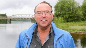 Billy Anklew från Lillhärdal, som varit med och startat i Föreningen för småskalig vindkraft, är skeptisk till att stora vindkraftsprojekt kan gagna de som bor i närheten.