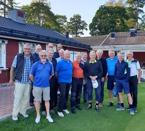 Elva bröder deltog från logen i Sandviken och sex bröder från Gävlelogerna. På bilden saknas en Gävlebroder. Foto: Privat